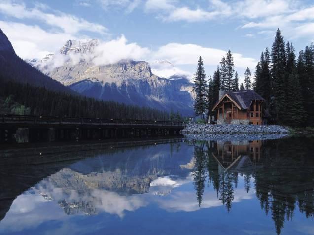 House-at-the-lake