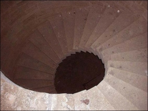 fort-Spiral-staircase