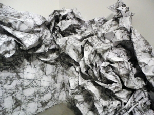 Liliana-Porter-Wrinkle-Installation2